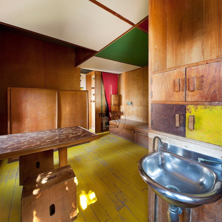 le cabanon Le cabanon is conveniently located 25 mi from the château de ventadour, and the devil's bridge is only 12 mi from the property this property also has one of the top-rated locations in thueyts guests are happier about it compared to other properties in the area.